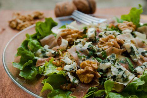 plat de saison - salade composée complète jambon sec, petit épeautre
