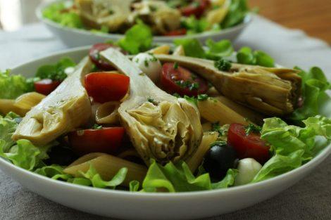 salade composée végétarien penne artichauts