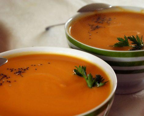 soupe végan de saison potimarron, gingembre, graines de chia