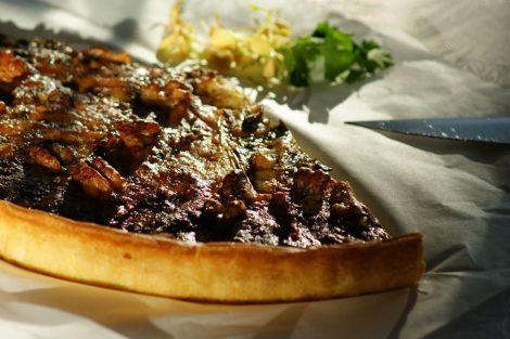 tarte originale aux endives, poires, fourme d'Ambert, noix